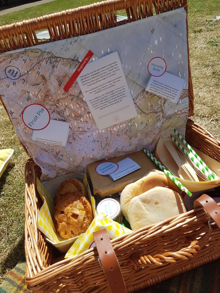 Image of picnic hamper